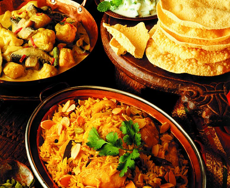 Chicken biryani with vegetable curry & poppadoms